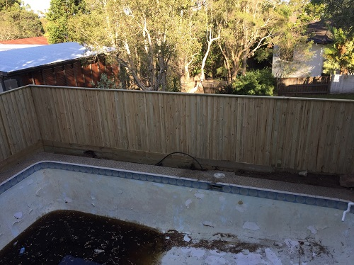 Pool Fencing Sydney - Wood Pailing Fence