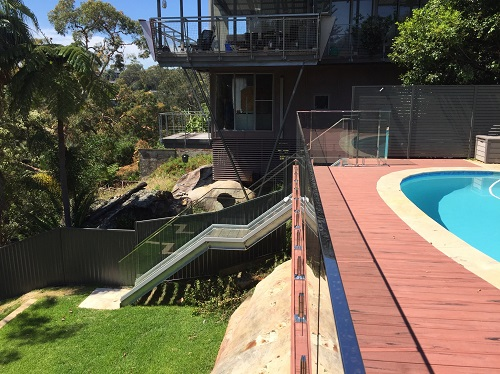 Pool Fencing Syndey - Glass and Aluminium Fence
